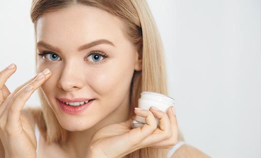 Как глубоко косметика проникает в кожу?
