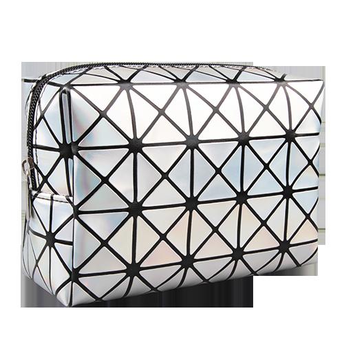 Косметичка LADY PINK HOLOGRAPHIC большая серебрянаяКосметички<br>Косметичка Lady Pink - стильное и удобное решение для хранения косметики. Большой выбор косметичек разных форм и размеров, а также ярких дизайнов позволит легко выбрать ту, которая подходит именно тебе.<br>
