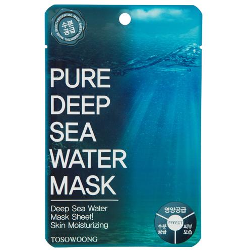 Маска для лица `TOSOWOONG` с глубинной морской водой 25 гМаски<br>Маска глубоко увлажняет кожу лица, благодаря глубинной морской воде, которая является богатым источником таких полезных для кожи минералов, как магний, кальций, селен, цинк, фтор. Глубинная морская вода возвращает коже невероятную мягкость и эластичность, интенсивно питает, придает здоровый цвет лицу, успокаивает, активно защищает чувствительную кожу от вредных факторов окружающей среды.<br>Пропитанная эссенцией маска идеально прилегает к коже лица, что позволяет полезным ингредиентам легко проникать в клетки эпидермиса.<br>