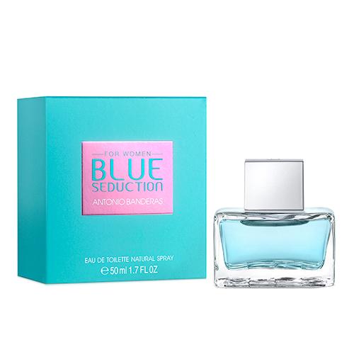 Туалетная вода `ANTONIO BANDERAS` BLUE SEDUCTION WOMAN жен. 50 млЖенская<br>Blue Seduction for Woman - очень женственный аромат, обладающий особой свежестью Blue Freshness и четко выраженной чувственностью. Он создан для женщины с характером, полной современного духа и спонтанности, которая спешит ярко прожить каждый момент и любит сюрпризы. За счет цитрусовых, сочных фруктовых нот и нот лепестков фиалки достигается нежное ощущение свежести и чистоты. Тонкое сочетание цветочных нот, усиленное нотами лепестков розы и жасмина, а также сочными нотами малины придает аромату женственность. Чувственность базовых нот проявляется, благодаря освежающим восточным нотам, усиленным успокаивающим бензоином и долгой теплоте мускуса. Сладкие ноты придают аромату сексуальность и привлекательность. Аромат: Цветочно-фруктовый. ВЕРХНИЕ НОТЫ: Бергамот, листья фиалки, дыня; СРЕДНИЕ НОТЫ: Болгарская роза, жасмин, малина; ШЛЕЙФ: Пачули, бензоин (смола), мускус.<br>