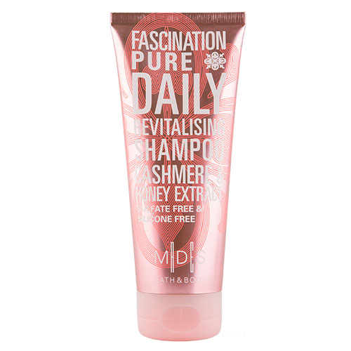 Шампунь для волос MADES BATH &amp; BODY FASCINATION PURE  200 млШампуни <br>Шампунь для волос со свежим фруктово-цветочным ароматом, обогащенный питательным маслом аргана, нежно очищает волосы и кожу головы. Экстракт меда, обладая множеством полезных веществ, отлично сохраняет влагу в волосах, укрепляет и добавляет им невероятный блеск. Экстракт кашемира прекрасно оживляет тусклые волосы, делает их более гладкими и шелковистыми. Шампунь без красителей, сульфатов и силиконов придает потрясающий объем без утяжеления.<br>