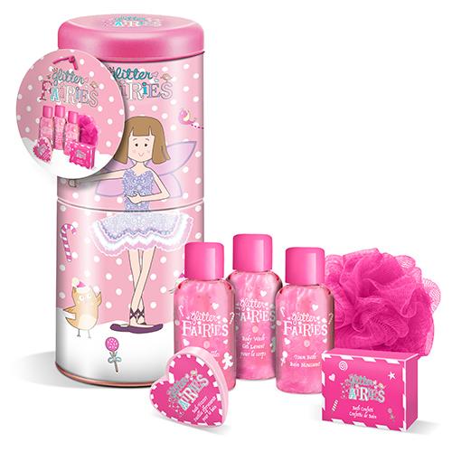 Набор подарочный детский `GLITTER FAIRIES` (пена для ванны 50 мл, гель для душа 50 мл, шампунь для волос 50 мл, конфетти для ванны 25 г, полотенце, мочалка)Подарки<br>The LUXURY BATHING by GRACE COLE Набор подарочный детский Glitter Fairies: Пена для ванны 50мл, Гель для душа 50мл, Шампунь для волос 50мл, Конфетти для ванны 25г, Шипучее средство для ванны 45г, мочалка<br>