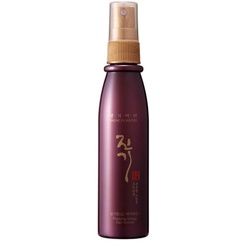 Спрей для волос `DAENG GI MEO RI` восстанавливающий 100 млСпециальные средства<br>Сыворотка-спрей для волос, нелипкая и легкая, состоящая из экстрактов целебных трав, обеспечивает увлажнение сухим, поврежденным волосам и придает им здоровый блеск. Комплекс незаменимых аминокислот (глицина, аланина, валина, лизина, гистидина и др.) в сочетании с пантенолом и гидролизованным шелком создают на поверхности волос защитную пленку, обеспечивают мягкость и блеск.<br>