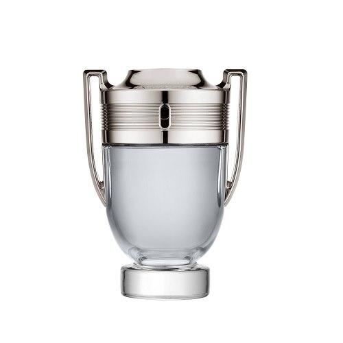 Туалетная вода `PACO RABANNE` INVICTUS (муж.) 50 млМужская<br>Paco Rabanne Invictus – неподражаемый парфюм, созданный для сильных мужчин. Принадлежит к семейству фужерных водных ароматов. Обладателем аромата является мужественный, спортивный, сильный и энергичный мужчина. Флакон парфюма представляет собой трофейный кубок. Композиция аромата Paco Rabanne Invictus соткана удивительным переплетением верхних аккордов грейпфрута и морскими нотами. В сердце можно различить ноты жасминового гедеона и лаврового листа. В завершении композиции остаются базовые аккорды серой амбры, дубового мха, пачули и дерева гуаяк.<br>