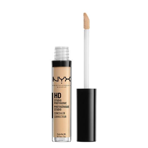 Консилер для лица `NYX PROFESSIONAL MAKEUP` HD CONCEALER WAND тон 04 BeigeКорректор<br>Текстура: <br>Легкая/кремовая – нежная консистенция позволяет использовать консилер и для сухой кожи вокруг глаз, а также для маскировки несовершенств проблемной кожи. <br><br>Финиш: <br>Бархатный, покрытие от среднего до плотного – жидкий консилер для лица идеально ложится на кожу любого типа и не ощущается даже к концу дня. <br><br>Особенности: <br>NYX Professional Makeup HD Photogenic Concealer отличается невесомой консистенцией и высокой пигментацией, благодаря этому он хорошо маскирует даже выраженные дефекты кожи – темные круги под глазами, пигментные пятна интенсивного оттенка, родинки, локальные воспаления, постакне и многое другое. <br><br>Способ применения: <br>Жидкий консилер для лица подходит для использования под тональным кремом или поверх него, с проработкой точечных несовершенств или большой площади, например, темных кругов. Если косметическое средство наносится под глаза, стоит предварительно увлажнить кожу легким кремом или гелем. На нижнем веке консилер распределяется деликатными движениями, растушевка должна быть мягкой и быстрой – средства линии NYX Professional Makeup HD Photogenic Concealer фиксируются очень быстро. <br><br>Совет: <br>Растушевывать нужно только края области нанесения, чтобы замаскировать проблемную зону и качественно сгладить переход косметических средств. NYX Professional Makeup HD Concealer Wand можно купить как основу под макияж или помаду: в этом случае стоит наносить его максимально тонким слоем. Лучший консилер для светлой кожи – Light или Medium. Другие тона для точечной коррекции нужно выбирать индивидуально. Например, зеленый позволяет маскировать воспаления и покраснения, лавандовый борется с желтизной, а розовый придает сияние и свежесть. Всего в нашей палитре – более 20 оттенков. <br><br>Полезно для кожи: <br>Питательный канделильский воск делает консилер стойким в любых условиях, будь то мороз, дождь или жара. Экстракт алоэ оказ