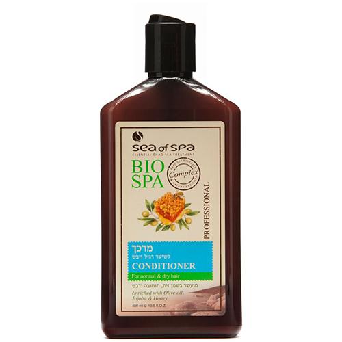 Кондиционер для волос `SEA OF SPA` для нормальных и сухих волос 400 млБальзамы и ополаскиватели<br>Кондиционер <br>для нормальных и сухих волос<br>с оливковым маслом, прополисом и маслом жожоба <br>Кондиционер, основанный на уникальной формуле, обогащен природными активными минералами Мертвого моря, оливковым маслом, маслом жожоба и медом. Кондиционер эффективно ухаживает за волосами, надолго дарит им мягкость и свежесть, защищает от вредных климатических условий, придает волосам нежный аромат.<br>