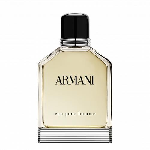 Туалетная вода GIORGIO ARMANI EAU POUR HOMME (муж.) 50 млМужская<br>Представив миру в 1984 году парфюм Eau pour Homme, Джорджио Армани представил аромат, который прекрасно гармонировал с его творческой философией. Флакон парфюма, имеющий мужественный дизайн, является визуальным воплощением своего содержания. В сердце парфюма лежит бессмертный аромат истинного итальянца, классического стиля, к которому Джорджио Армани добавил каплю беззаботности, спонтанной свежести и спокойной, согревающей мужественности. Благодаря идеальному аромату, парфюм стала классикой для трех поколений мужчин. Оставаясь верным себе, Eau pour Homme все такой же, каким был в начале пути.<br>Верхние цитрусовые ноты апельсина и мандарина, словно залитые солнцем волны, оживленные аккордами перечного кориандра. Далее раскрываются специи - тмин и мускатный орех, тонко окутанные нероли. Свежесть окутывает плотнее, пока, наконец, не сольется в букете с ароматами кедра и пачули, свободолюбивого растения, настойчивого, но безупречно прирученного. Искусно сливающиеся свет и темнота, яркость солнца и таинство леса, Eau pour Homme безупречно отождествляет стиль Armani.<br>